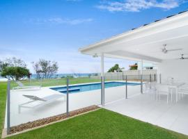 Sentosa on Tugun - Beachfront 5 Bedroom, Gold Coast