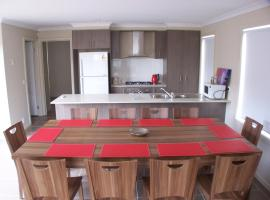 Serviced Houses Roxburgh Park, Coolaroo