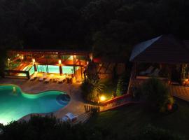 Chalet Suisse Posada & SPA, Villa General Belgrano