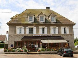 La Pee France 2 Star Hotel