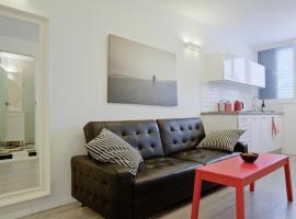 Apartment Retro, Herzelia