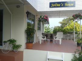Jodee's House, Ko Si Chang