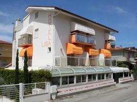 Hotel Lisa, Pineto