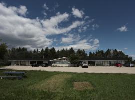 Riverside Motel, Hadashville