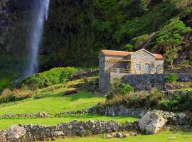 Casas da Cascata, Lajes das Flores
