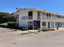 Motel 6 Abilene 2 Star Hotel