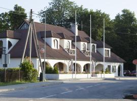 Hotel Liilia, Käina