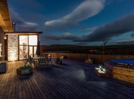 Maria Luxury Villa Southwest, Saurbær