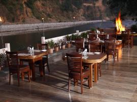 Corbett Riverside Resort, Garjia