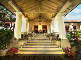 D Pavilion Inn