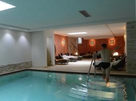 梅迪爾酒店, 坎皮泰洛迪法薩
