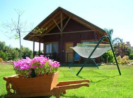 Tal Nof Cabins, Manot
