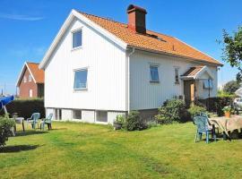 Three-Bedroom Holiday home in Rönnäng 2, Rönnäng