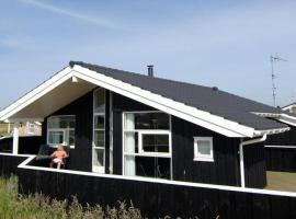 Three-Bedroom Holiday home in Harboøre 8, Harboør