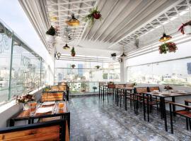 Hong Vina Luxury, Ho Chi Minh