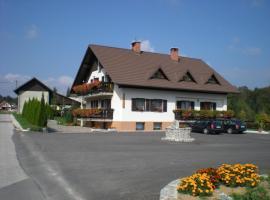 Turistična kmetija Pr Mark, Črni Vrh
