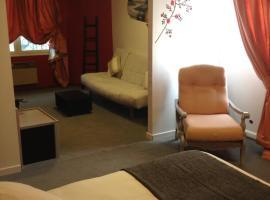 INTER-HOTEL Au Pavillon Bleu