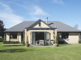 The Villa - Christchurch Holiday Homes, West Melton