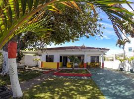 Villa Sarie Bay, San Adresas