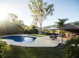 Seclude Rainforest Retreat, Palm Grove
