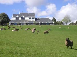 Country Homestead at Black Sheep Farm, Langs Beach