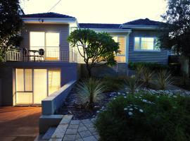 Trigg Beach Cottage, Perth