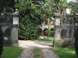La Patirana Guesthouse, Zandobbio