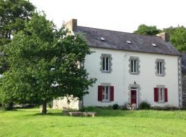 The Old Farmhouse, Saint-Goazec