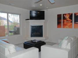 Rim Vista Three-Bedroom