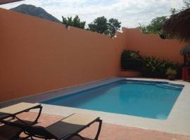 Casa Pelon, Miramaras