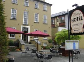 Baileys Hotel Cashel, Cashel
