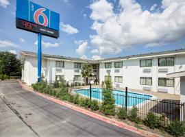 Motel 6 Dallas - South