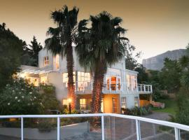 Art Gallery Guest House - Thandekayo, Hout Bay