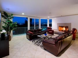 Brewster Vacation Home, Tarzana