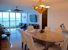 Beachfront Apartment Isla Verde, San Juan