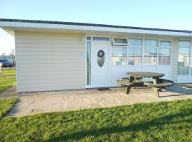 123 By The Sea, Camber