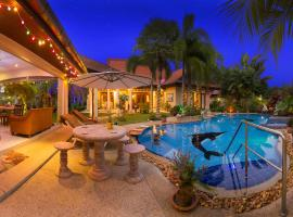 Relaxing Palm Pool Villa and Tropical Garden, Bang Lamung