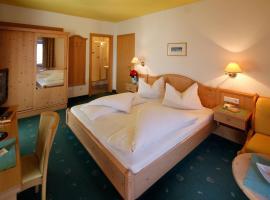 Hotel Am Reschensee, Resia