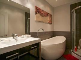 Classy Comfortable Condo and Basement, Montréal
