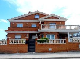 Villa Vicky, Roda de Bará