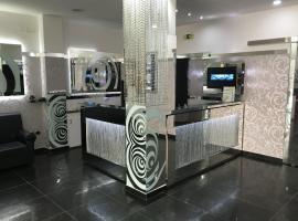 Gold Hotel, Portici