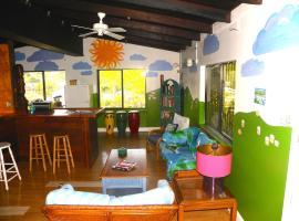 Rhoda's Guesthouse & Tillett Hostel, Tutu