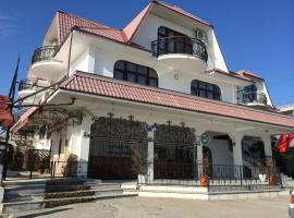Breez Hotel, Khosta