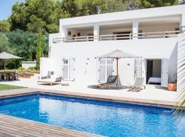 Villa Amantiga: Bohemian Luxury in Ibiza, San José