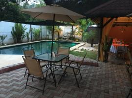 Hostal Antorchas, Dominical