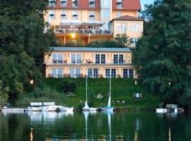 Hotel Vier Jahreszeiten, Buklovas