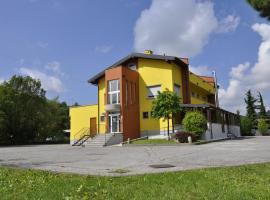 Millaenya Inn, Entratico