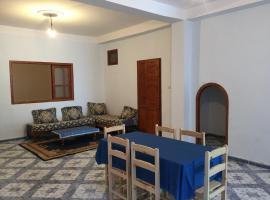 Appartements centre Ain Turk et vue Mer, 'Aïn el Turk