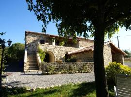 Maison de vacances - Saint Etienne De Fontbellon, Saint-Étienne-de-Fontbellon