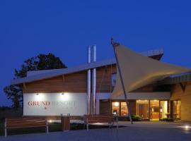 Grund Resort Golf and Ski, Mladé Buky